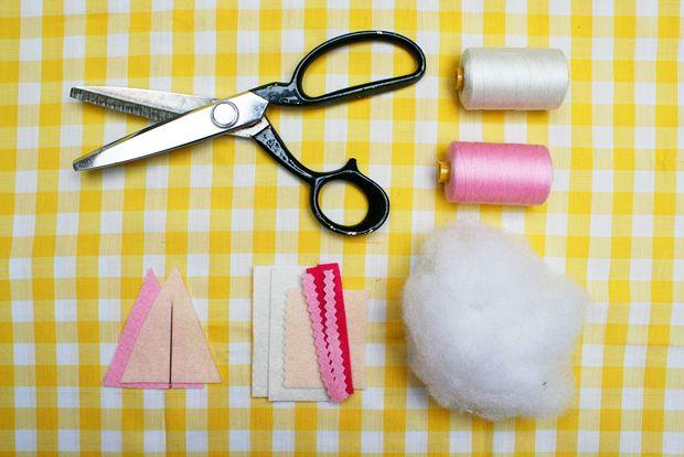 pin-cushion-diy-materials.jpg