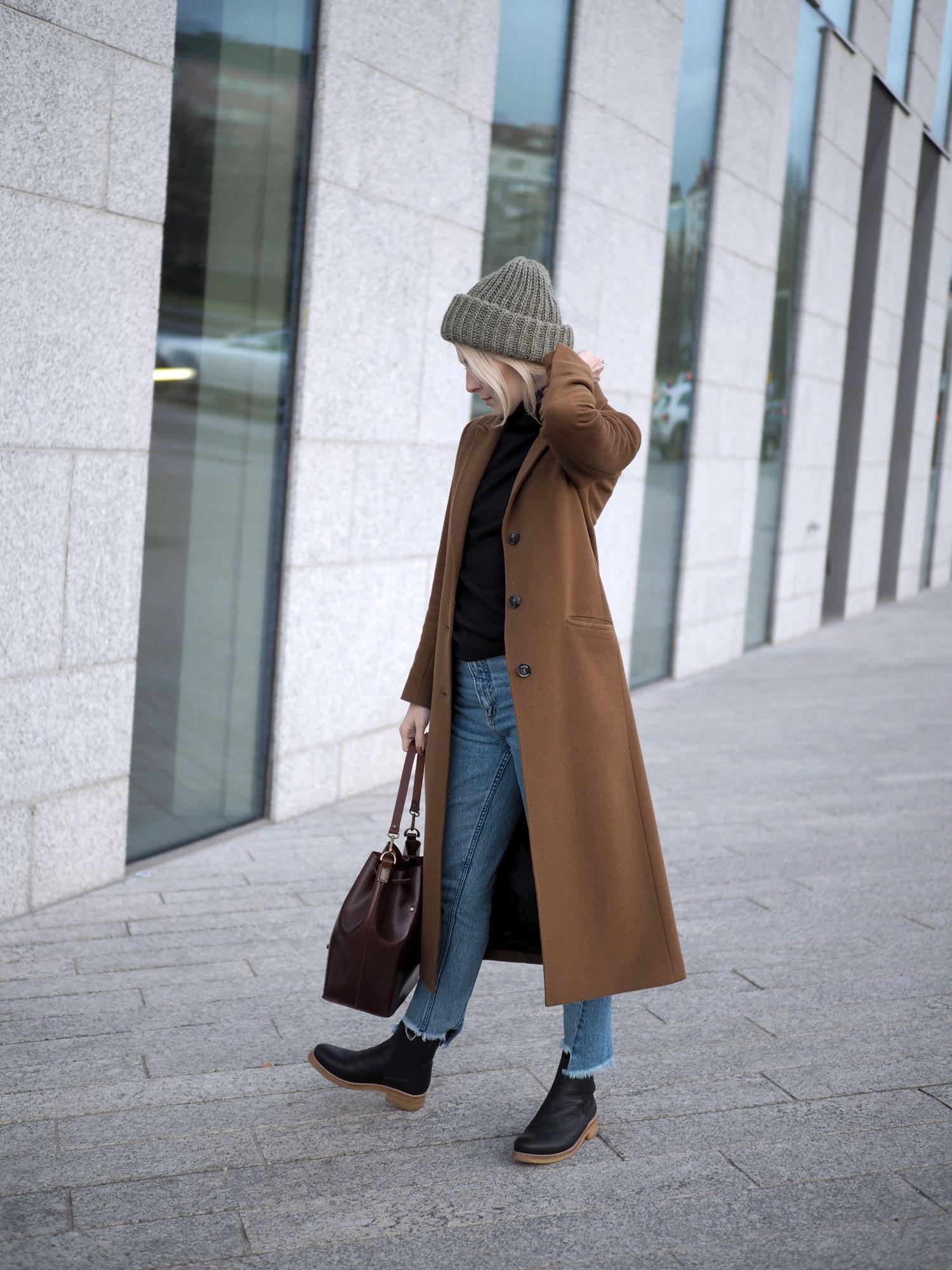 Yksi ilmastonmuutoksen pahimmista vauhdittajista on muoti- ja  vaateteollisuus. Muodista ja tyylistä bloggaavana minulla on varmasti  enemmän vaatteita kuin ... 4322b99580
