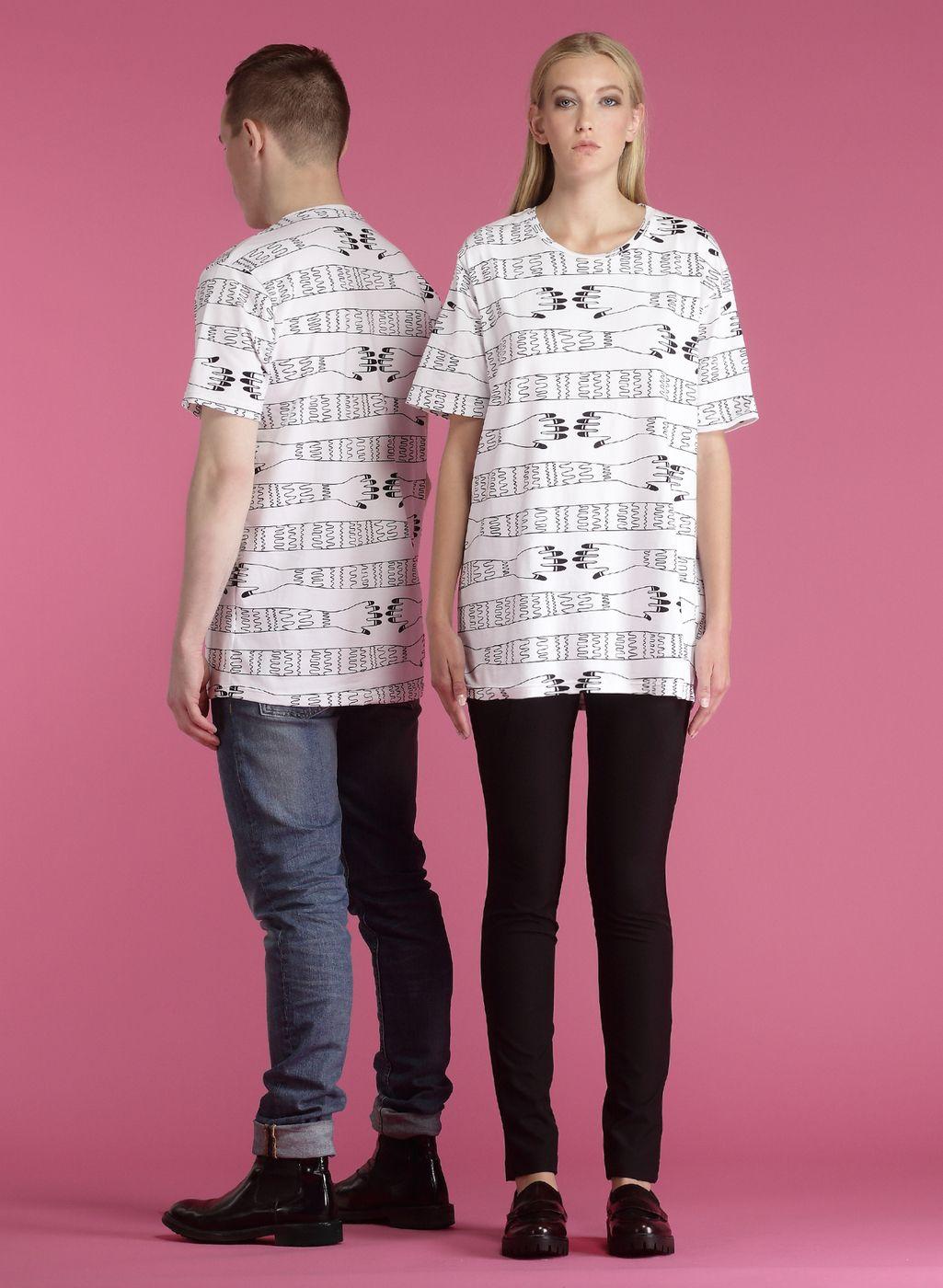 HUGS_Tshirt_unisex.jpg